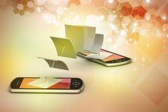 Mejl som delar mellan den smarta telefonen Arkivfoto