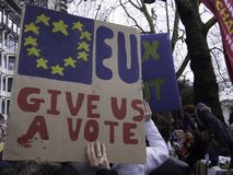 Mejor para los paladines sociales de Gran Breta?a que protestan contra Brexit imágenes de archivo libres de regalías