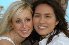Mejores amigos en rotura de resorte Fotos de archivo