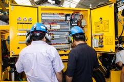 Mekaniker för tungt maskineri royaltyfria foton