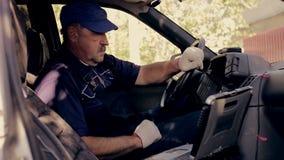 Mekanisk diagnos, medelkontroll för auto reparation stock video