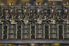 mekanisk gammal strömbrytaretelefon Arkivbilder