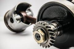 Mekanisk kugghjul och pistong Royaltyfria Foton