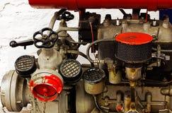 Mekaniska delar av den gamla motorn Royaltyfria Bilder