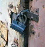 Mekaniskt försett med gångjärn lås Royaltyfri Foto