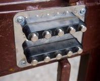 Mekaniskt kombinationslås som installeras i porten royaltyfri bild
