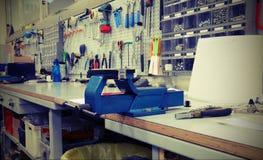 Mekaniskt seminarium för reparationen av cyklar med tappningeff arkivfoto
