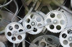Mekanism - stålkugghjul inom klockan Royaltyfri Bild