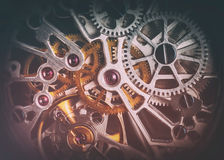 Mekanism urverk av en klocka med juvlar, närbild Tappninglyx Arkivfoton