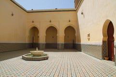 Meknes, Binnenplaats van het mausoleum van Moulay Ismail Royalty-vrije Stock Afbeeldingen