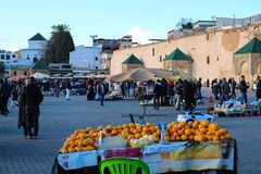 Market on El Hedim square with lots of people and stalls