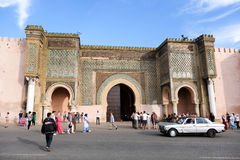 Meknes old city gate with traditional architecture - Morocco Stock Image