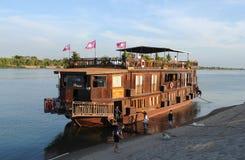 Mekong River kryssning till de 4000 Mekong öarna i Pakse, södra L Arkivfoto