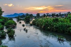 Mekong River no por do sol em Don Kone, 4000 ilhas, Laos Fotografia de Stock