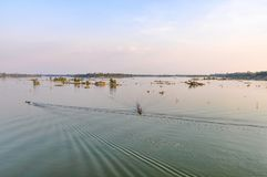 Mekong River på solnedgången i Don Kone, 4000 öar, Laos Royaltyfri Bild