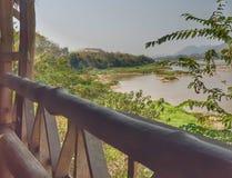Mekong River sikt på den lokala restaurangen, Luangprabang, Laos Royaltyfria Bilder