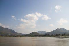 Mekong River siktstagande från Chiang Khan fotografering för bildbyråer