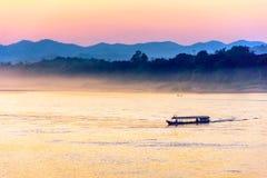 Mekong rivier in de avond Royalty-vrije Stock Afbeelding