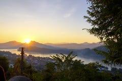 Mekong Rivier met een zonsondergang Stock Fotografie