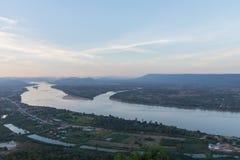 Mekong Rivier tussen Thais land en het land van Laos Royalty-vrije Stock Foto's