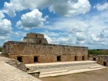 Meksyk, Jukatan, Uxmal, Maj, 25 2013, odwiedza ruiny Nunnery czworobok zdjęcia royalty free