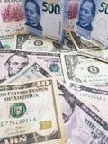 Meksykańscy banknoty i Amerykańscy dolary rachunków różni wyznania zdjęcie royalty free