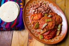 Meksykańscy Krewetkowi tortitas z nopales obrazy stock
