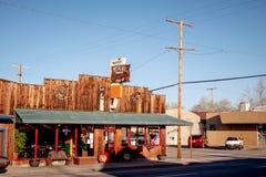 Meksykańska Amerykańska restauracja w historycznej wiosce Samotna sosna MARZEC 29, 2019 - SAMOTNY SOSNOWY CA, usa - obrazy royalty free