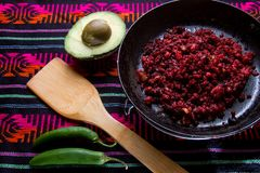 Meksykański chorizo i avocado fotografia stock