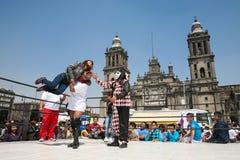 Meksykański lucha libre na Zocalo w Meksyk zdjęcia royalty free