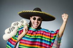 Meksykański mężczyzna z pieniędzy workami Obrazy Stock