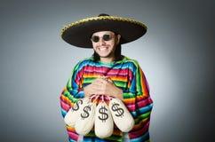 Meksykański mężczyzna z pieniędzy workami Fotografia Royalty Free