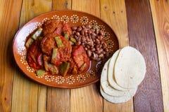 Meksyka?scy Krewetkowi tortitas z nopales zdjęcia royalty free