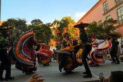 Meksykańska taniec grupa na scenie przy festiwalem Kulturalnym Obrazy Stock