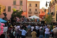 Meksykańska taniec grupa na scenie przy festiwalem Kulturalnym Fotografia Royalty Free
