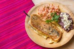 Meksyka?ski jedzenie: chile relleno obrazy royalty free