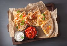 Meksykański quesadilla z kurczaka pomidorowym kukurydzanym serem Zdjęcie Stock