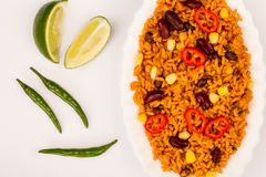 Meksykanin Stylowy Korzenny Rice Z cynaderki fasolami i Czerwonymi Chillies fotografia royalty free