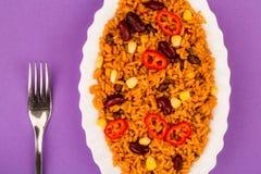 Meksykanin Stylowy Korzenny Rice Z cynaderki fasolami i Czerwonymi Chillies obraz royalty free