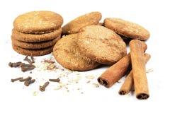 Mel das cookies com porcas, cereais, canela e Imagem de Stock