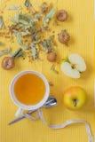 Mel do Linden com maçã Imagem de Stock
