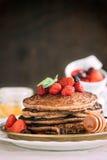 Mel do pancakeswith do trigo mourisco Fotos de Stock Royalty Free