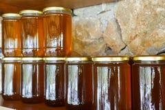 Mel e frascos turcos locais do mel Imagens de Stock Royalty Free