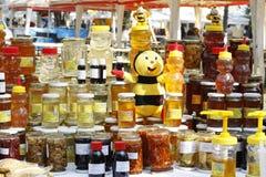 Mel e produtos naturais Fotografia de Stock Royalty Free