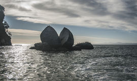 Mela spaccata Abel Tasman NP nuovo Zeland Fotografia Stock