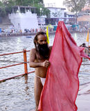 Mela 2016, un sadhu sur la banque de la rivière de kshipra, Ujjain, Inde de kumbh de Simhasth Maha Images stock