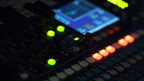 Melanżer, kontrola wysokiej jakości audio i wyrównywacz pojemność na melanżerze, Obraz Stock