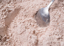 Melanżer miesza składniki czekoladowego układu scalonego ciastka obrazy royalty free