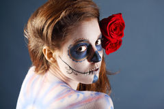 Melancholiczna żywy trup dziewczyna z malującą twarzą obraz stock
