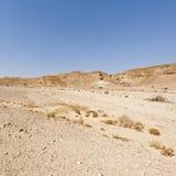 Melancholie und Leere der Wüste in Israel lizenzfreie stockbilder